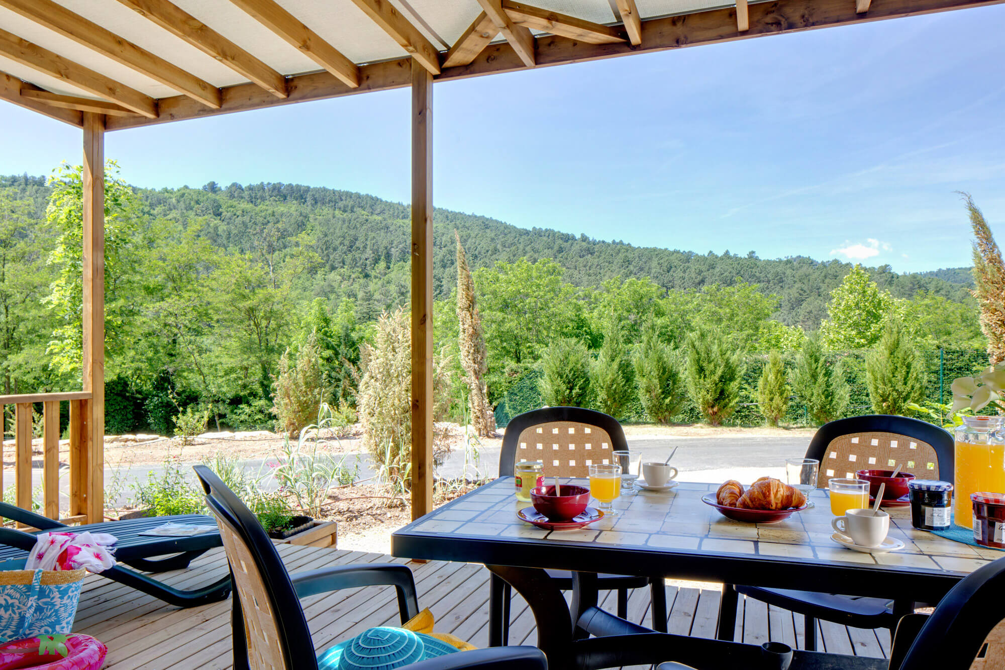 Camping 5 etoiles ardeche camping resort spa entre for Camping avec piscine ardeche
